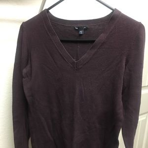 Women's GAP V-Neck Sweater Medium