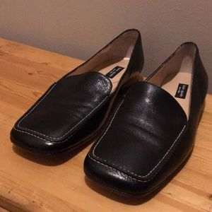 KATE SPADE Black Leather Loafers Size 7