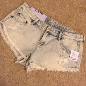 BDG Dolphin low rise jean cut off shorts!