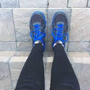 Nike Blue and Black Size 8.5 Walking Shoes.