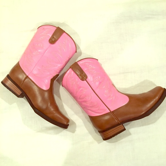 ecfdab21ac8 Smart fit brown & pink cowgirl boots