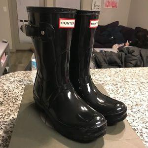 Black hunter boots size 6!