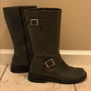 Matisse Army Green Buckled Boots w Zip