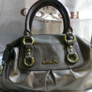 🎇Coach Sabrina bronze color leather purse