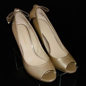 Enzo Angiolini 'Mistle' gold leather bow pump 8M