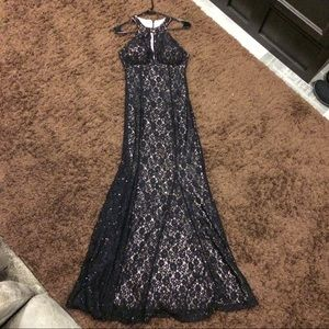 Lace low-cut Mermaid gown