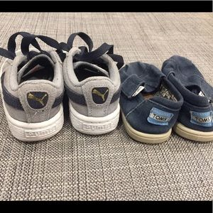 Size 6T Pumas and Toms