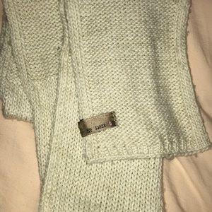 Gap Knit Scarf