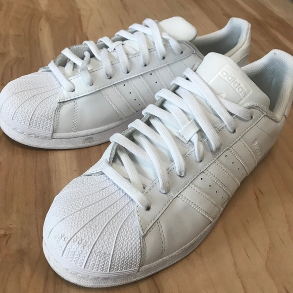 Adidas zapatos All blanco Superstars nosotros hombres 105 poshmark