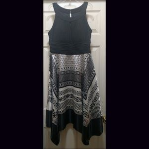 Gorgeous Keyhole Silky Dress Size 16