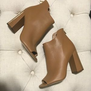NWT Calvin Klein Leather Open Toe Camel Booties