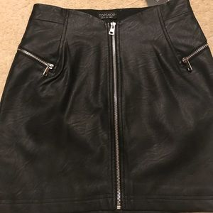 Bnwt faux leather mini skirt by topshop size 6