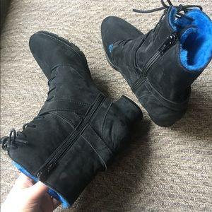 Gorgeous Manolo Blahnik Winter Boots!!