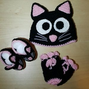 Other - Crochet baby set hat shoes and gloves