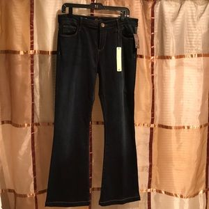 NWT Kut from the Kloth flares