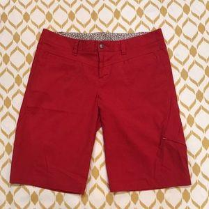 Athleta red dipper Bermuda hiking shorts size 12
