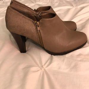 Tan/light brown Boot Heels