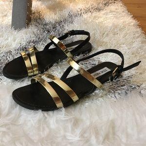 Steve Madden Betsy Sandal - Black and gold
