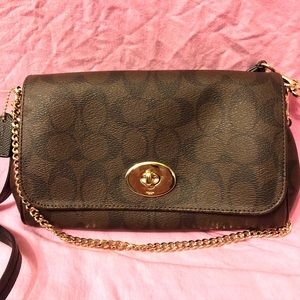 Coach Crosstown Turnlock crossbody with card case