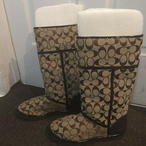❤️BRAND NEW COACH BOOTS BROWN SIGNATURE Size 8❤️
