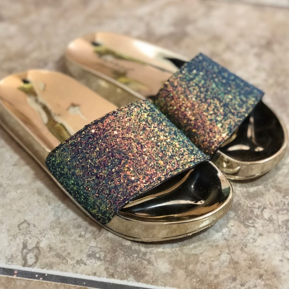 BAMBOO Shoes   Womans Sparkly Gold