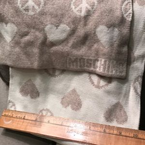 Moschino hearts and peace scarf