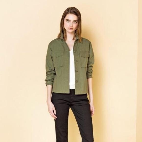 9fd3293350f8 Uniqlo Women s military shirt jacket. M 5a2df632bf6df5780801ea8c