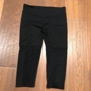 FABLETICS CROP WITH POCKET