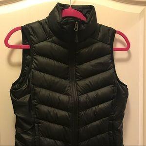 North face black vest
