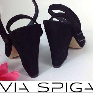 V I A. S P I G A Heels