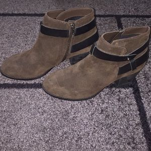 Heeled ankle boots, worn only once!