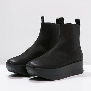 UO x Vagabond Casey Platform Leather Boots