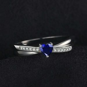 New sapphire ring in sizes 6, 7 and 9
