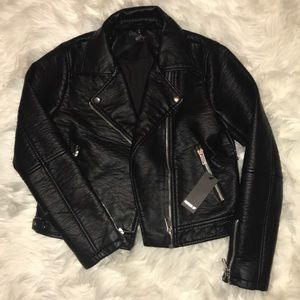 NBW, TAGS REMOVED BLACK LEATHER JACKET FORVER 21