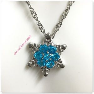 Sterling Silver Snowflake Pendant Necklace BNWOT