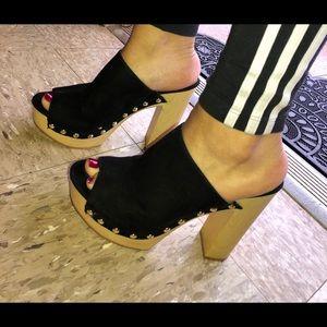 Retro Style Platform Heels