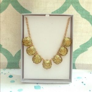 Gold glitter necklace!