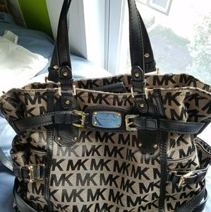 NWOT Michael Kors Authentic Shoulder Tote bag