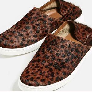 Leopard print slip ons  🙋🏻💜