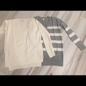 GAP SWEATERS LOT OF 2 XS