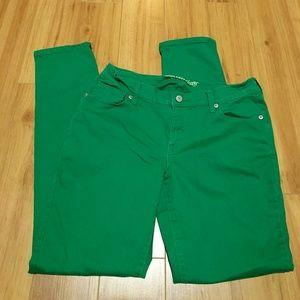 Denim - Old Navy kelly green skinny jeans