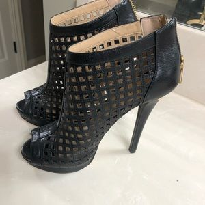 New Michael kors ankle booties