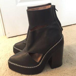 Jeffrey Campbell Féria Cutout Ankle Boot sz 7