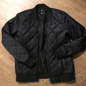 Black quilted bomber jacket puffer
