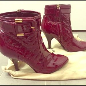 Burberry burgundy patent quilted  boots