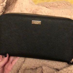 Large Kate Spade Travel Wallet