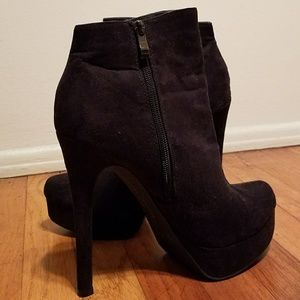 Chinese Laundry Black Suede Booties Sz 8.5 EUC!