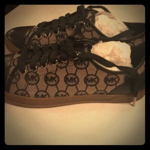 New in box Micheal Kors sneakers