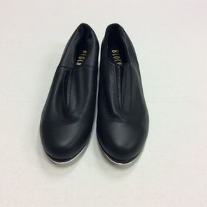 Black leather tap shoes NWOT