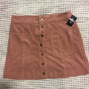 Millennial Pink mini skirt!